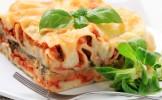 Profitant de la démission du Pape, Findus révèle que les lasagnes contenaient du dauphin, du chaton,...