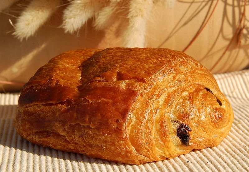 Débat essentiel: Chocolatine et pain au chocolat ! 800px-Pain_au_chocolat_Luc_Viatour