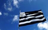 Toujours aucune explication scientifique à la présence d'un drapeau breton dans les festivals de mus...