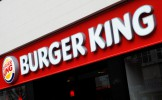 Burger King de retour à Paris : un homme échange son enfant contre un double Whopper