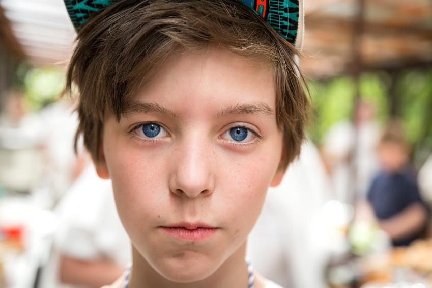 Un enfant rachitique porte plainte contre son p re pour - Porter plainte contre l administration ...