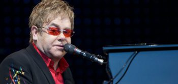 By Ernst Vikne - originally posted to Flickr as Elton John in Norway, CC BY-SA 2.0, https://commons.wikimedia.org/w/index.php?curid=7113345
